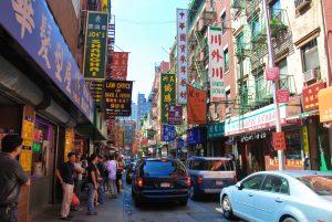 Barrio concurrido en Chinatown