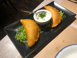 Quesadilla de huitlacoche con setas y crema de queso gamoneu