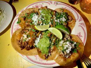 Tacos barbacoa  + Tacos de pollo + Tacos bistec con queso