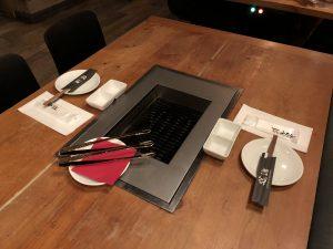 Barbacoa individual en cada mesa